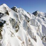 森林限界を超える雪山でのウェア選びのポイント