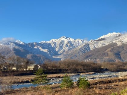 白馬の山々が雪化粧を 山は変わらず美しい。